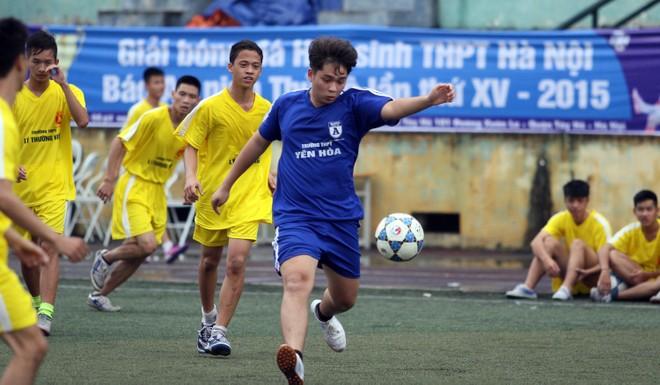 Kết quả, hình ảnh lượt trận sáng 8-11 giải bóng đá học sinh THPT Hà Nội ảnh 16
