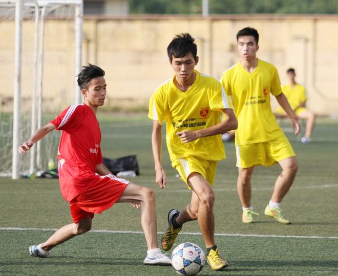 Kết quả, hình ảnh thi đấu ngày 11-11 giải bóng đá học sinh THPT Hà Nội 2015 ảnh 25