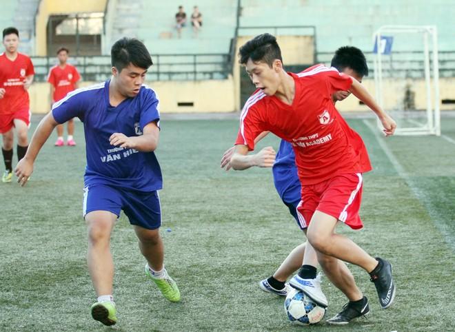 Kết quả, hình ảnh thi đấu ngày 11-11 giải bóng đá học sinh THPT Hà Nội 2015 ảnh 38