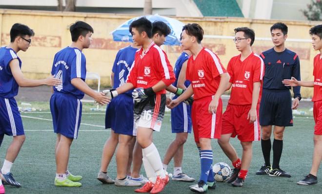 Kết quả, hình ảnh thi đấu ngày 11-11 giải bóng đá học sinh THPT Hà Nội 2015 ảnh 36
