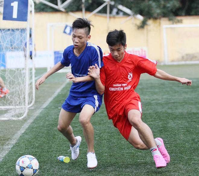 Kết quả, hình ảnh thi đấu ngày 11-11 giải bóng đá học sinh THPT Hà Nội 2015 ảnh 22