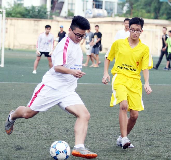 Kết quả, hình ảnh thi đấu ngày 11-11 giải bóng đá học sinh THPT Hà Nội 2015 ảnh 24
