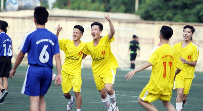 Kết quả, hình ảnh thi đấu ngày 11-11 giải bóng đá học sinh THPT Hà Nội 2015 ảnh 14