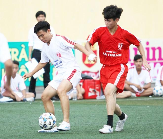 Kết quả, hình ảnh thi đấu ngày 11-11 giải bóng đá học sinh THPT Hà Nội 2015 ảnh 17