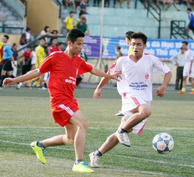 Kết quả, hình ảnh thi đấu ngày 11-11 giải bóng đá học sinh THPT Hà Nội 2015 ảnh 26