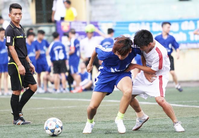 Kết quả, hình ảnh thi đấu ngày 11-11 giải bóng đá học sinh THPT Hà Nội 2015 ảnh 21