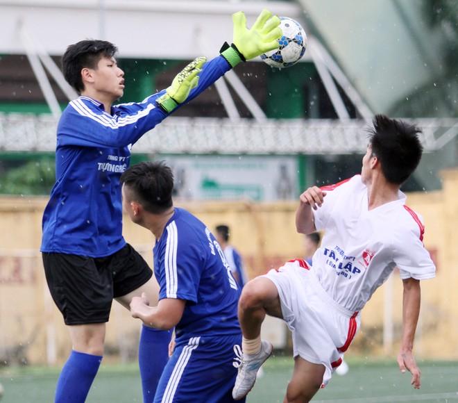 Kết quả, hình ảnh thi đấu ngày 11-11 giải bóng đá học sinh THPT Hà Nội 2015 ảnh 19