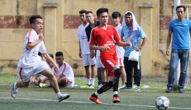 Kết quả, hình ảnh thi đấu ngày 11-11 giải bóng đá học sinh THPT Hà Nội 2015 ảnh 13