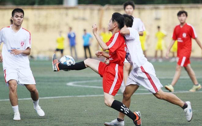 Kết quả, hình ảnh thi đấu ngày 11-11 giải bóng đá học sinh THPT Hà Nội 2015 ảnh 12