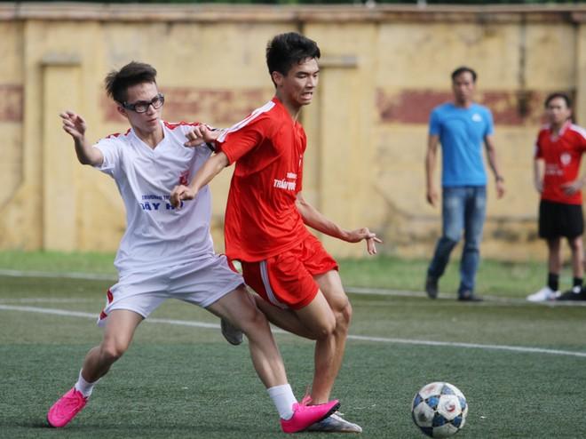 Kết quả, hình ảnh thi đấu ngày 11-11 giải bóng đá học sinh THPT Hà Nội 2015 ảnh 10