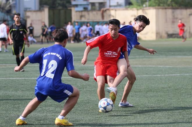 Kết quả, hình ảnh thi đấu ngày 11-11 giải bóng đá học sinh THPT Hà Nội 2015 ảnh 7