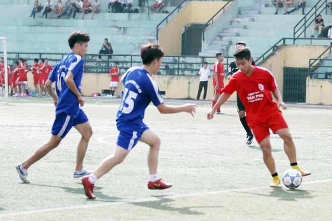 Kết quả, hình ảnh thi đấu ngày 11-11 giải bóng đá học sinh THPT Hà Nội 2015 ảnh 8