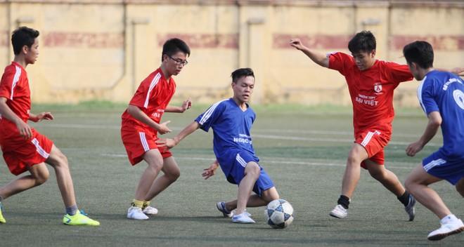 Kết quả, hình ảnh lượt trận cuối vòng bảng giải bóng đá học sinh THPT Hà Nội 2015 ảnh 11