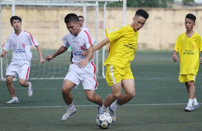 Kết quả, hình ảnh lượt trận cuối vòng bảng giải bóng đá học sinh THPT Hà Nội 2015 ảnh 1