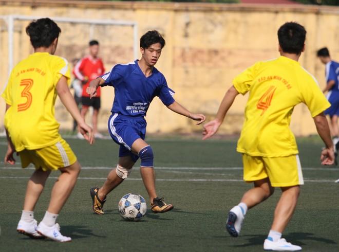 Kết quả, hình ảnh lượt trận cuối vòng bảng giải bóng đá học sinh THPT Hà Nội 2015 ảnh 12