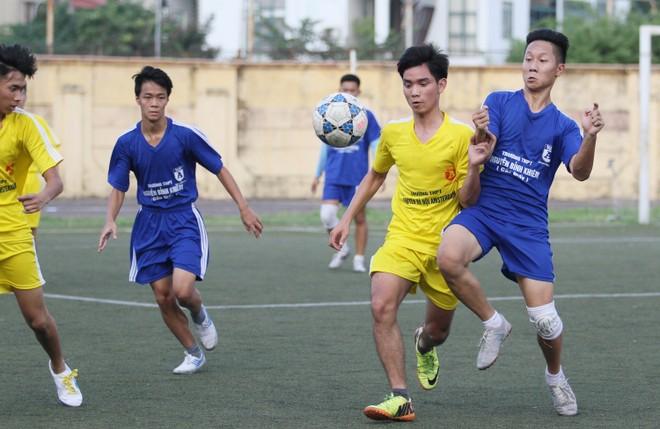 Kết quả, hình ảnh lượt trận cuối vòng bảng giải bóng đá học sinh THPT Hà Nội 2015 ảnh 13