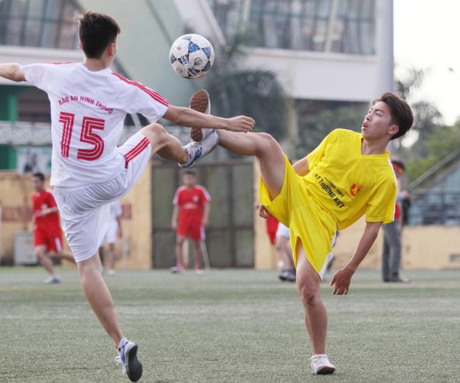 Kết quả, hình ảnh lượt trận cuối vòng bảng giải bóng đá học sinh THPT Hà Nội 2015 ảnh 7