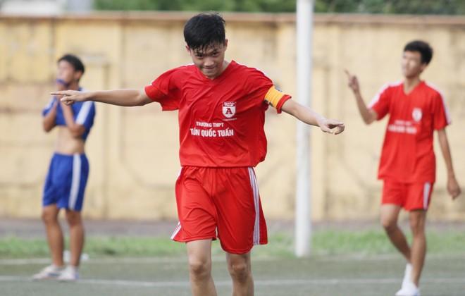 Kết quả, hình ảnh lượt trận cuối vòng bảng giải bóng đá học sinh THPT Hà Nội 2015 ảnh 22