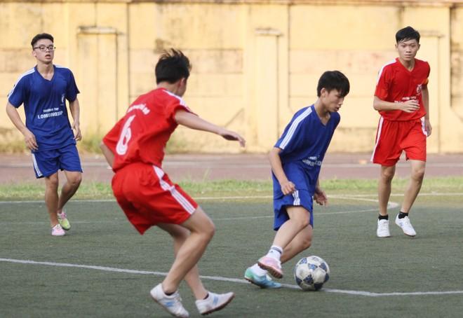 Kết quả, hình ảnh lượt trận cuối vòng bảng giải bóng đá học sinh THPT Hà Nội 2015 ảnh 20