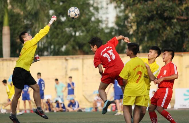 Kết quả, hình ảnh lượt trận cuối vòng bảng giải bóng đá học sinh THPT Hà Nội 2015 ảnh 18