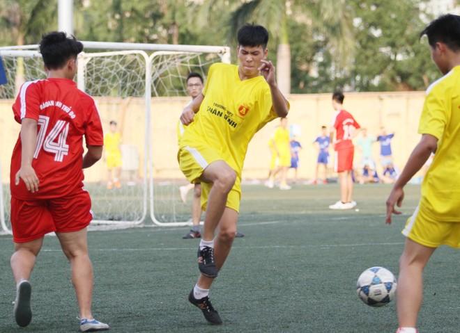 Kết quả, hình ảnh lượt trận cuối vòng bảng giải bóng đá học sinh THPT Hà Nội 2015 ảnh 19