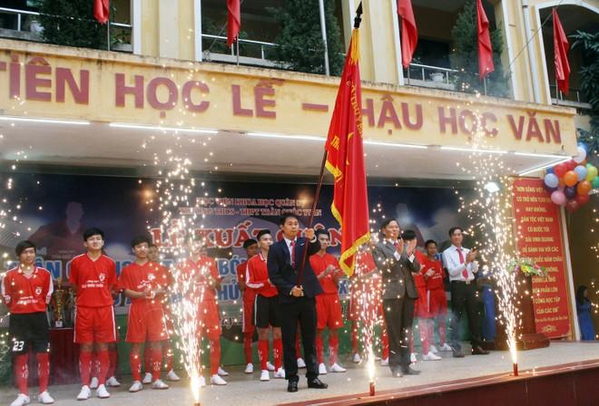 Tưng bừng xuất quân dự chung kết giải bóng đá học sinh THPT Hà Nội 2015 ảnh 2