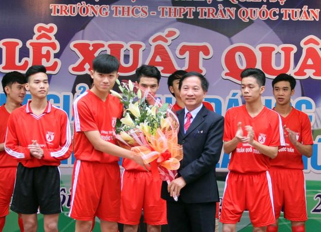 Tưng bừng xuất quân dự chung kết giải bóng đá học sinh THPT Hà Nội 2015 ảnh 3