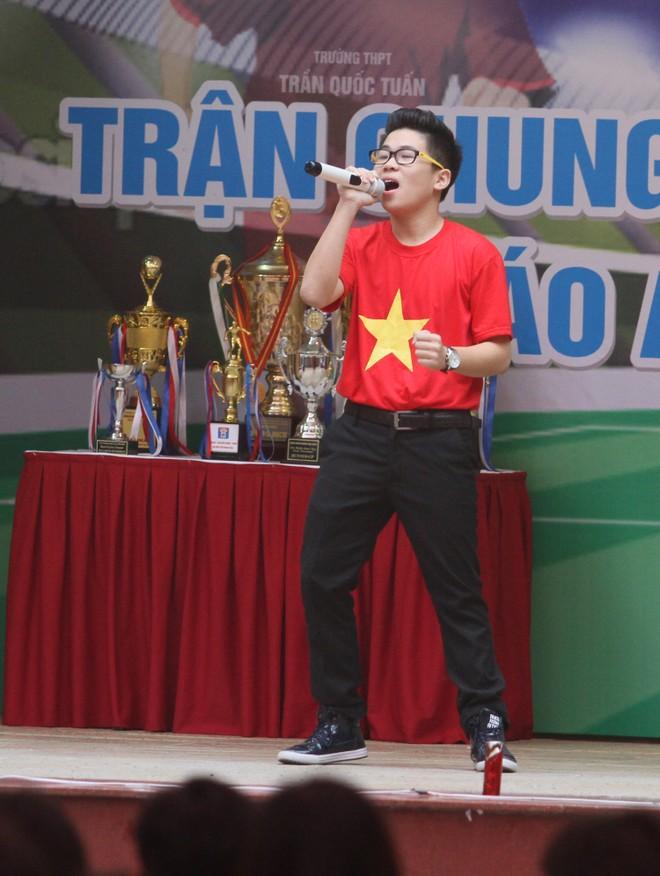 Tưng bừng xuất quân dự chung kết giải bóng đá học sinh THPT Hà Nội 2015 ảnh 4