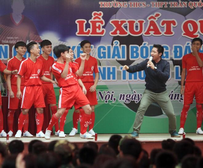 Tưng bừng xuất quân dự chung kết giải bóng đá học sinh THPT Hà Nội 2015 ảnh 6