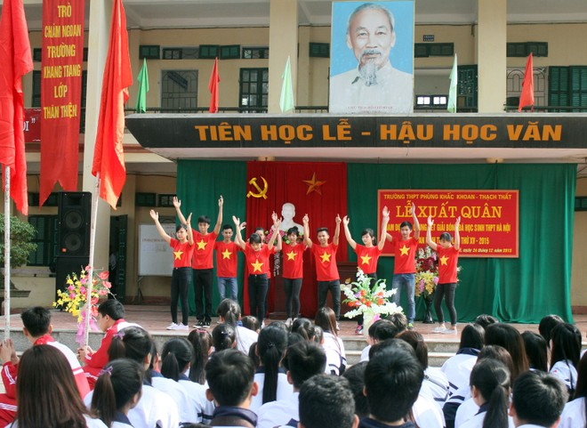 Tưng bừng xuất quân dự chung kết giải bóng đá học sinh THPT Hà Nội 2015 ảnh 12