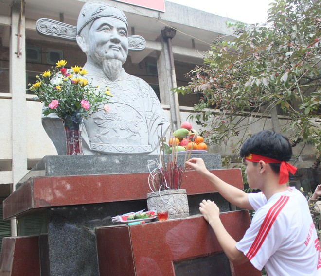 Tưng bừng xuất quân dự chung kết giải bóng đá học sinh THPT Hà Nội 2015 ảnh 10