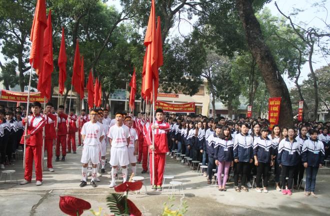 Tưng bừng xuất quân dự chung kết giải bóng đá học sinh THPT Hà Nội 2015 ảnh 8