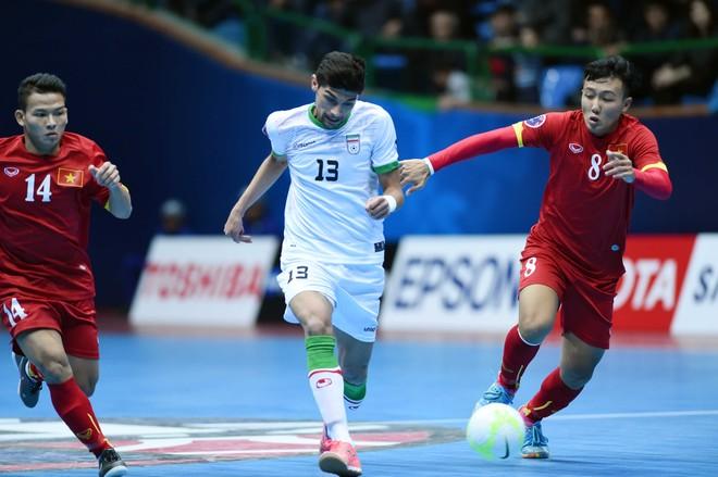 Trọng tài FIFA futsal: Việt Nam thua đậm Iran vì thể lực suy kiệt ảnh 1