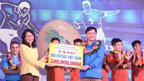 """Tuyển Futsal Việt Nam nhận thưởng """"khủng"""" nhất từ trước đến giờ ảnh 1"""