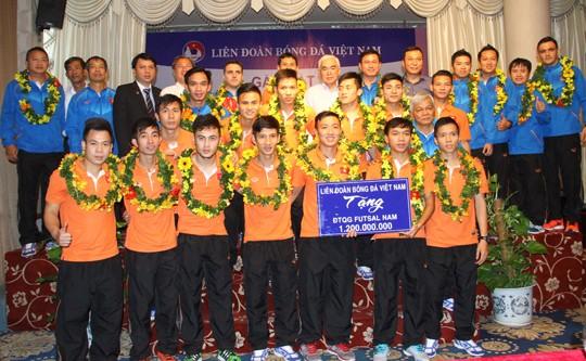 """Tuyển Futsal Việt Nam nhận thưởng """"khủng"""" nhất từ trước đến giờ ảnh 2"""