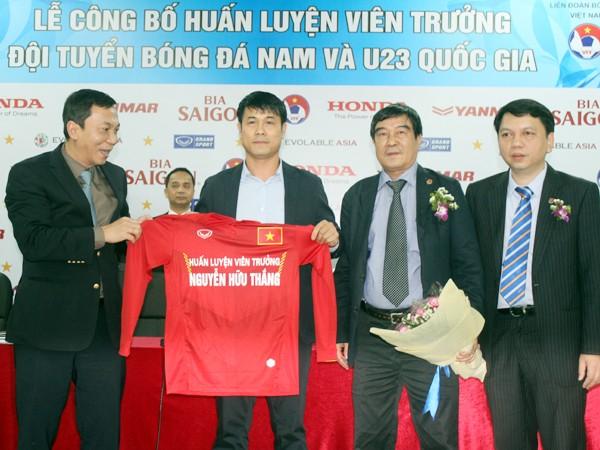 HLV Hữu Thắng hạnh phúc nhận trọng trách ở ĐT Việt Nam ảnh 1