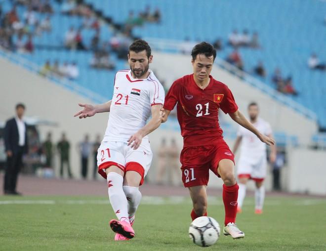ĐT Syria nhỉnh hơn về thể hình, thể lực nhưng các cầu thủ áo đỏ chủ nhà không hề lép vế.