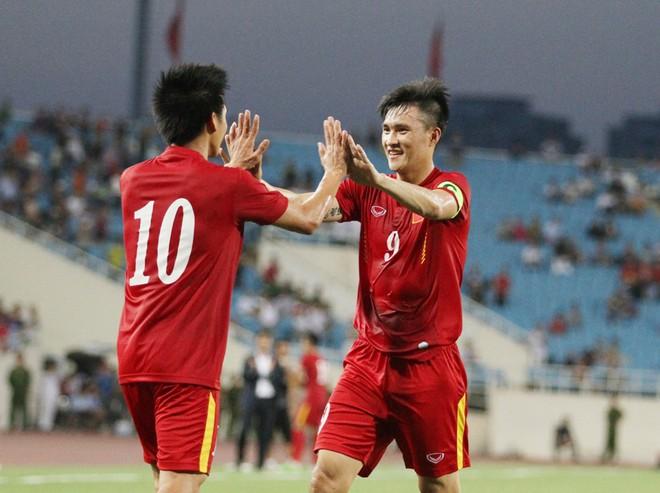 Chung cuộc, ĐT Việt Nam thắng ấn tượng 2-0 nhờ bàn thắng của Công Vinh và Văn Quyết