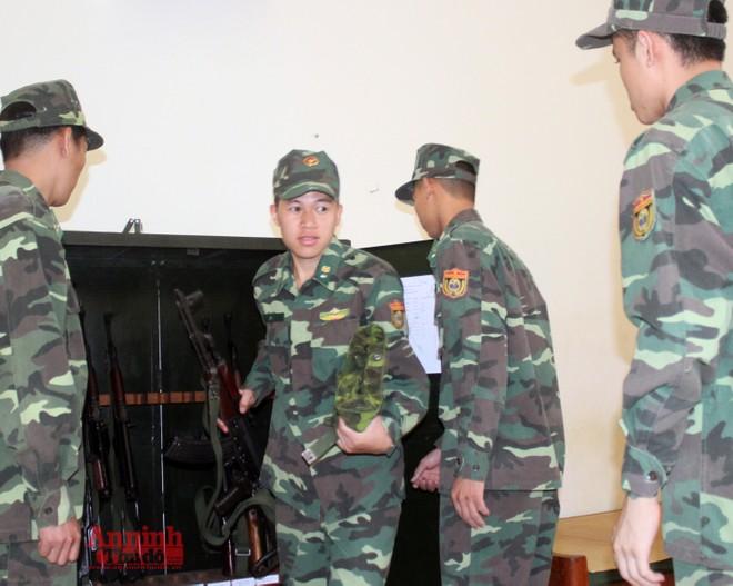 Xem bộ đội biên phòng Lý Vạn rèn quân, tăng gia sản xuất ảnh 2