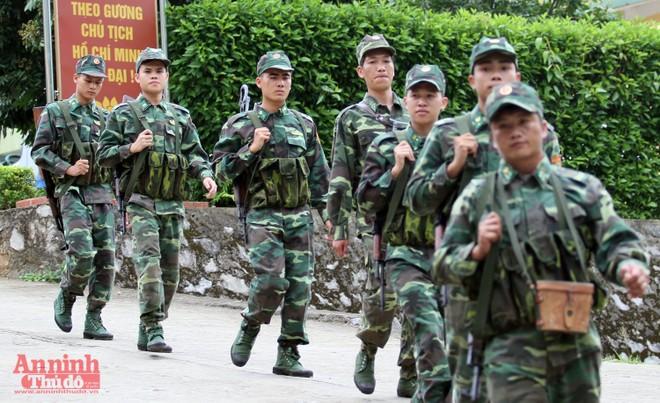 Xem bộ đội biên phòng Lý Vạn rèn quân, tăng gia sản xuất ảnh 5
