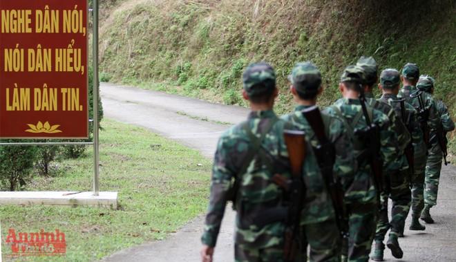 Xem bộ đội biên phòng Lý Vạn rèn quân, tăng gia sản xuất ảnh 6