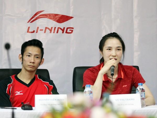 Trong danh sách đoàn không có lãnh đội, chuyên gia đi theo hỗ trợ chuyên môn cho 2 VĐV cầu lông Nguyễn Tiến Minh và Vũ Thị Trang