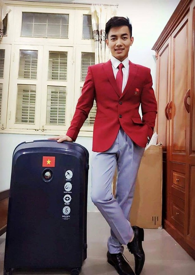 VĐV TDDC Phạm Phước Hưng trong trang phục được tài trợ (ảnh: FBNV)