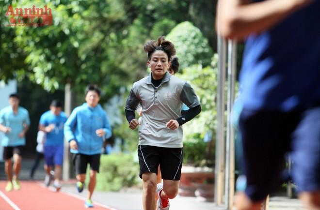 Nữ võ sỹ hạng 48kg nâng tạ 90kg để ép cân tới Olympic Rio ảnh 6