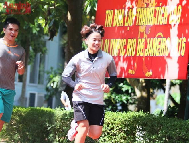 Nữ võ sỹ hạng 48kg nâng tạ 90kg để ép cân tới Olympic Rio ảnh 1