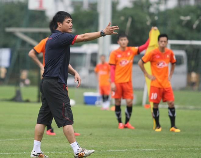 HLV Hữu Thắng được giao chỉ tiêu phấn đấu vào tới trận chung kết AFF Cup 2016