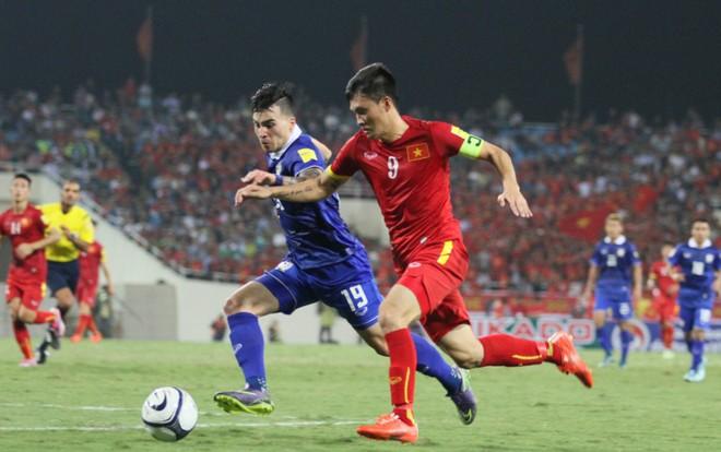 Tuyển Việt Nam (áo đỏ) cần cải thiện thể lực, nếu muốn đạt thành tích tốt tại AFF Cup tới