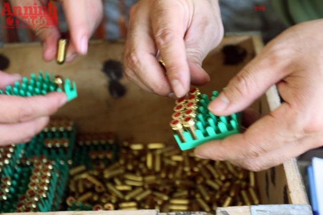 Mỗi VĐV được phát 13 viên đạn, bao gồm 3 viên bắn thử và 10 viên bắn tính điểm. Loại đạn sử dụng tại giải là dùng cho súng K59, do Cộng hòa Séc sản xuất