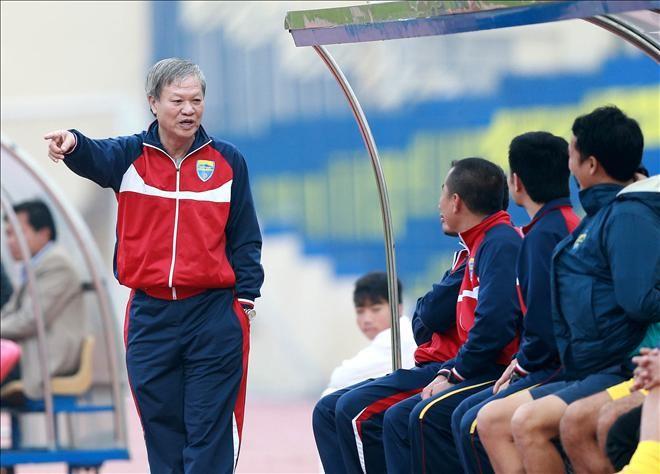 Ông Lê Thụy Hải có thời gian đưa Thanh Hóa thăng hoa nhưng nay phải từ chức sau chuỗi trận tệ hại, khiến đội bóng này xa rời cuộc đua vô địch V-League 2016