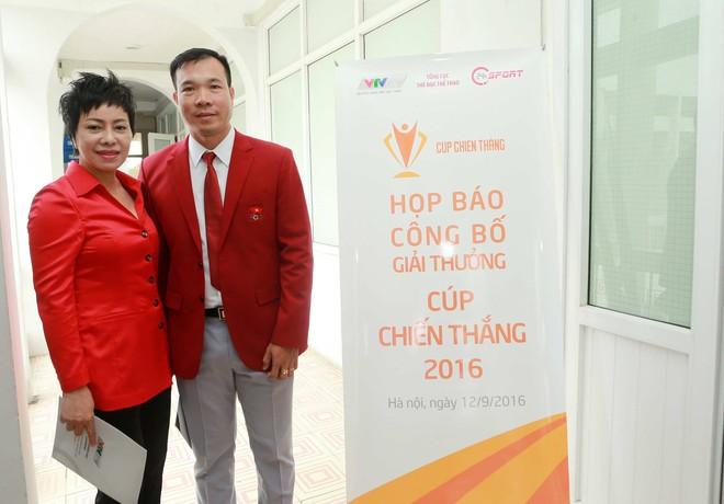 HLV Nguyễn Thị Nhung và VĐV Hoàng Xuân Vinh (bắn súng) lần lượt là ứng viên sáng giá ở hạng mục HLV của năm và VĐV nam của năm